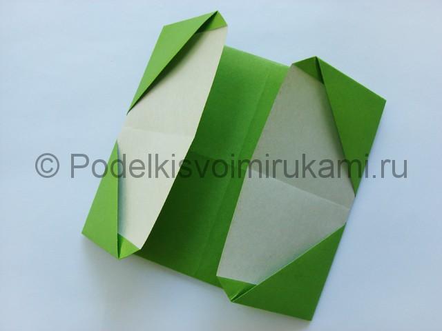 Поделка бумажного кошелька своими руками. Фото 16.