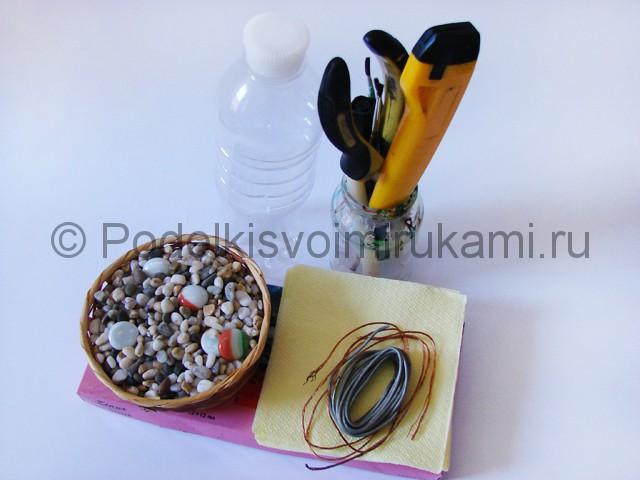 Как сделать дерево из пластиковой бутылки. Фото 1.