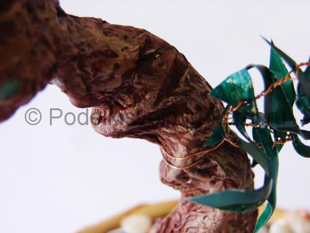 Как сделать дерево из пластиковой бутылки. Фото 21.