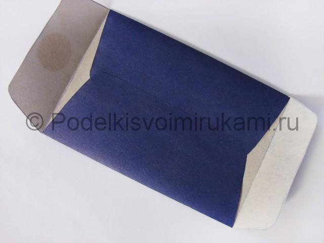 Как сделать конверт из бумаги. Фото 10.