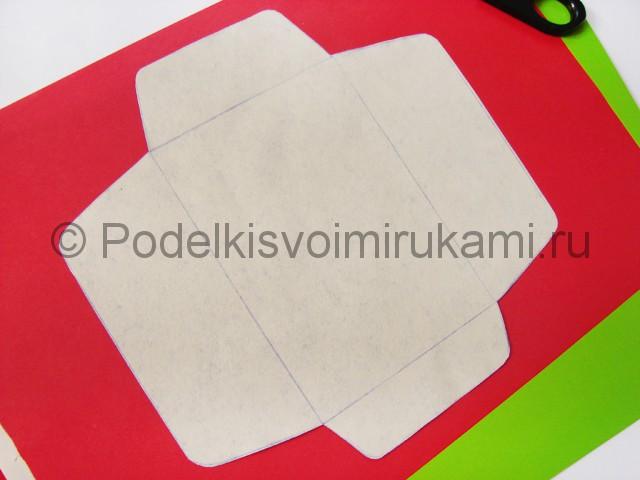 Как сделать конверт из бумаги. Фото 3.
