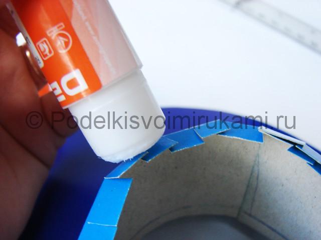 Как сделать шляпу из бумаги. Фото 17.