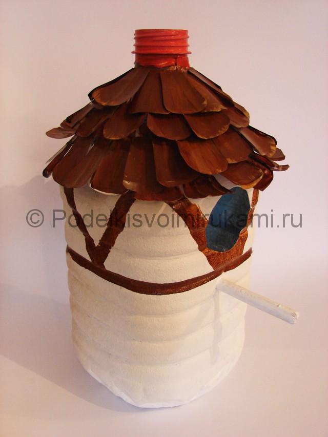 Как сделать скворечник из пластиковой бутылки. Фото 11.