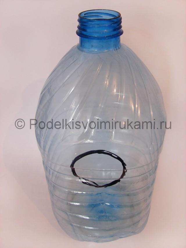Как сделать скворечник из пластиковой бутылки. Фото 5.