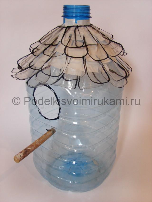 Как сделать скворечник из пластиковой бутылки. Фото 9.