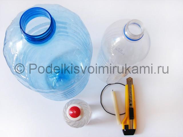 Люстра из пластиковых бутылок. Фото 1.