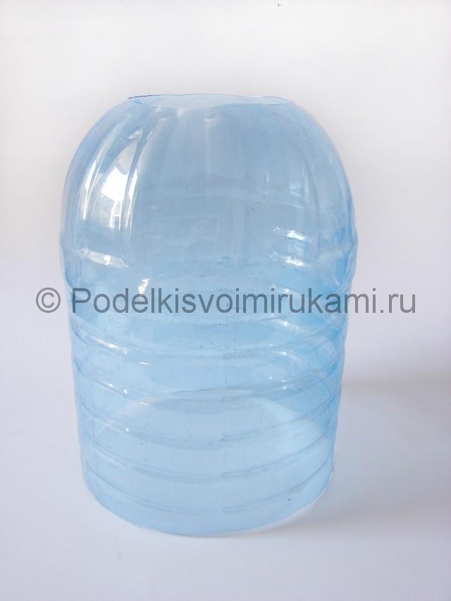 Люстра из пластиковых бутылок. Фото 4.