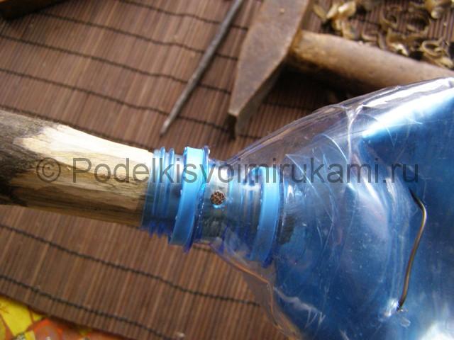 Метла из пластиковых бутылок своими руками. Фото 22.