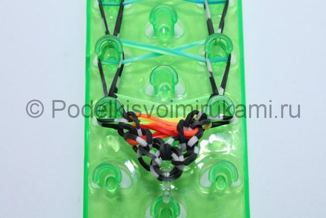 «Радужный» браслет из цветных резинок. Фото 16.