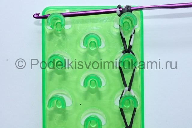 «Радужный» браслет из цветных резинок. Фото 20.