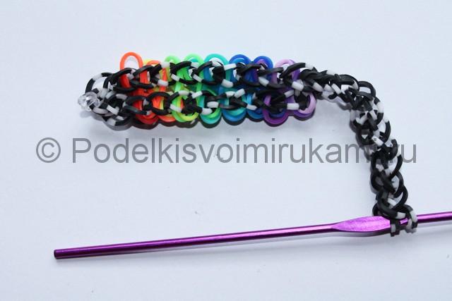 «Радужный» браслет из цветных резинок. Фото 21.