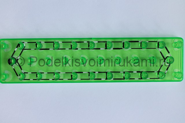 «Радужный» браслет из цветных резинок. Фото 5.