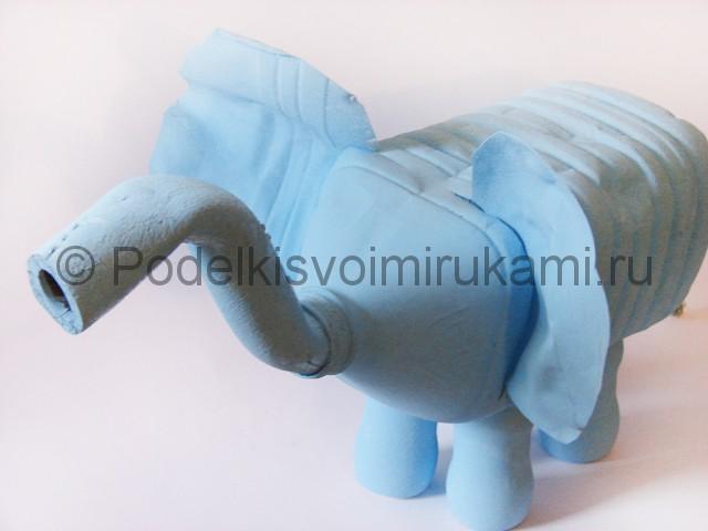 Слон из пластиковых бутылок своими руками. Фото 11.