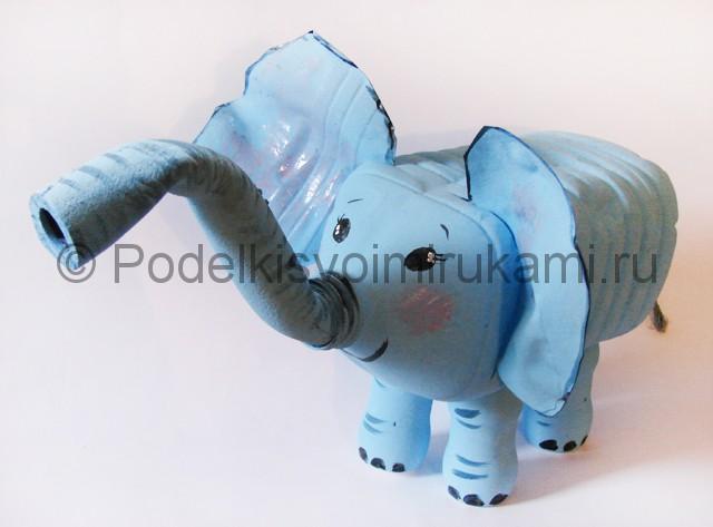 Слон из пластиковых бутылок своими руками. Фото 13.