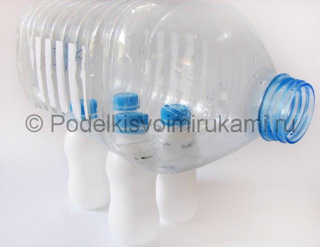 Слон из пластиковых бутылок своими руками. Фото 3.