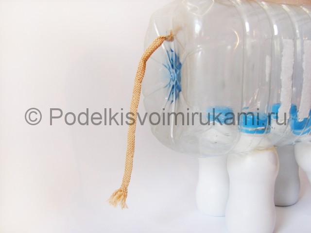 Слон из пластиковых бутылок своими руками. Фото 9.