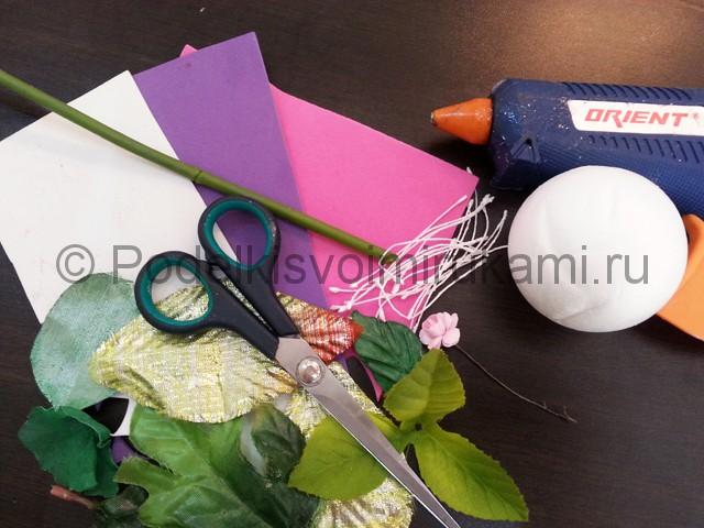 Декорирование шара цветами из фоамирана - фото 1.