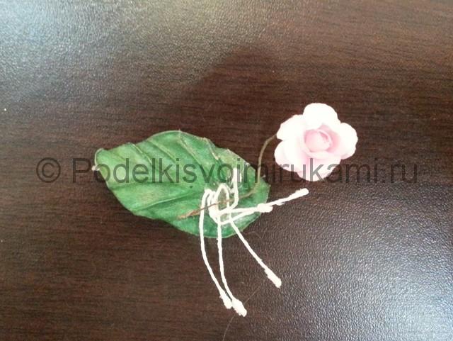 Декорирование шара цветами из фоамирана - фото 14.
