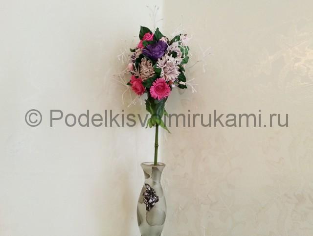 Декорирование шара цветами из фоамирана - фото 18.