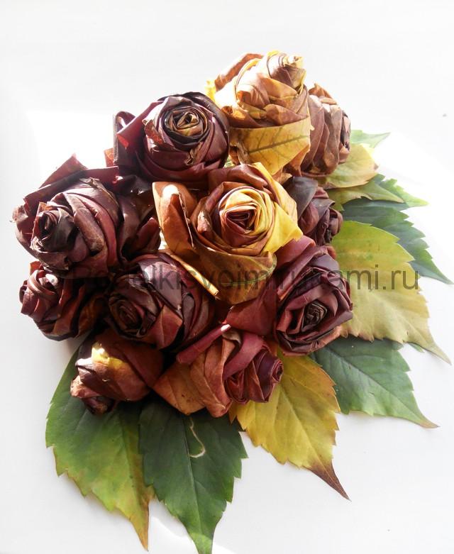 Делаем букет роз из осенних листьев - фото 10.
