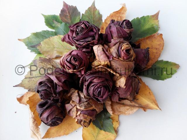 Делаем букет роз из осенних листьев - фото 11.