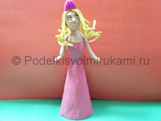 Кукла Барби из пластилина.