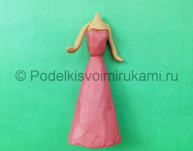 Лепка куклы Барби из пластилина - фото 7.