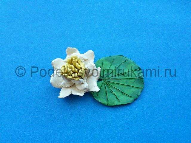 Лепка лилии из пластилина - фото 12.