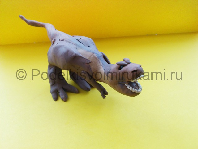Лепка тираннозавра из пластилина - фото 10.
