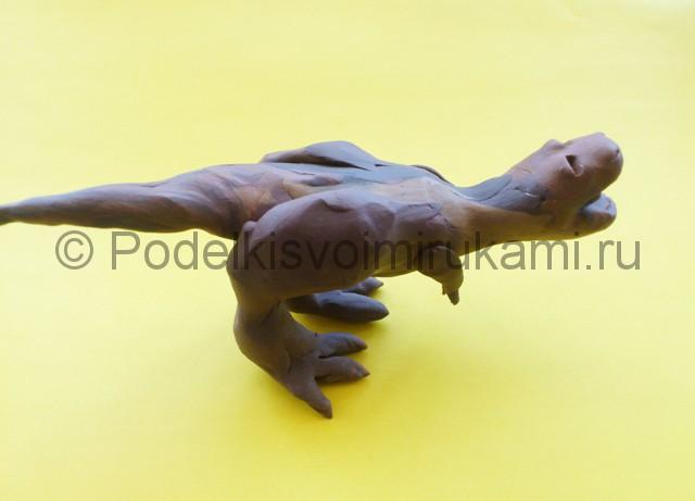 Лепка тираннозавра из пластилина - фото 7.