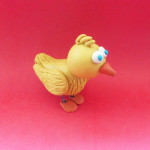 Цыплёнок из пластилина.