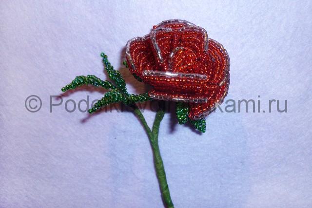 Плетение розы из бисера - фото 29.