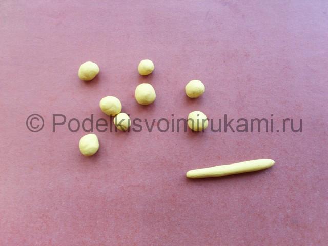 Лепка солнышка с лучиками из пластилина - фото 5.
