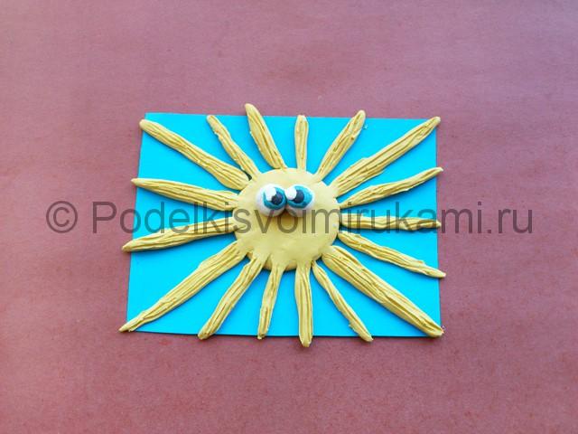 Лепка солнышка с лучиками из пластилина - фото 9.