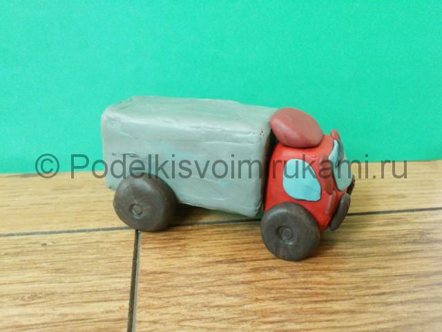 Лепка грузовика из пластилина - фото 10.
