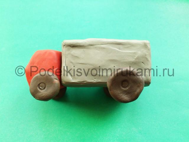 Лепка грузовика из пластилина - фото 7.