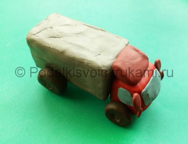 Лепка грузовика из пластилина - фото 9.