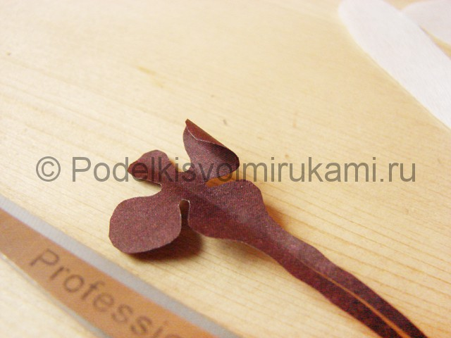 Изготовление орхидеи из бумаги - фото 11.