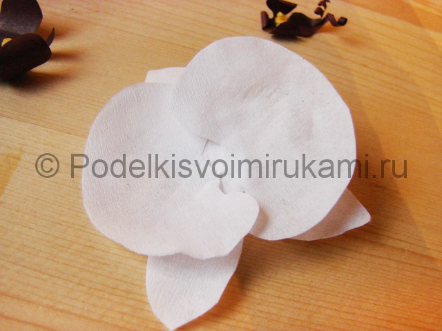 Изготовление орхидеи из бумаги - фото 20.