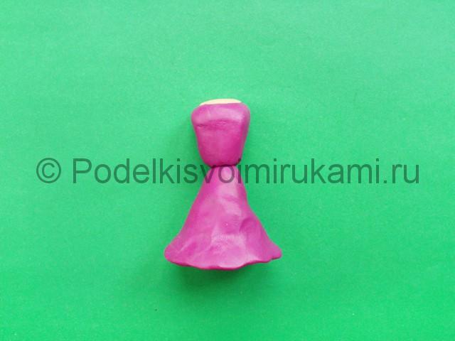 Лепка кукольного платья из пластилина - фото 7.