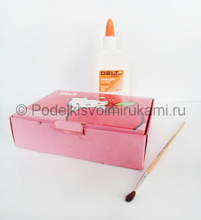 Выполнение росписи шкатулки-домика в розовых тонах - фото 2.