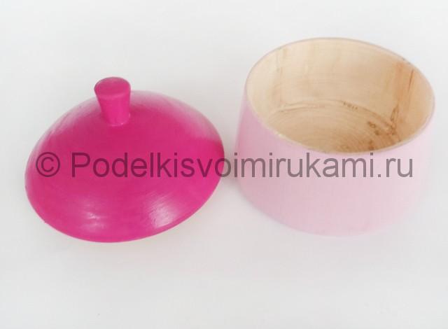 Выполнение росписи шкатулки-домика в розовых тонах - фото 5.