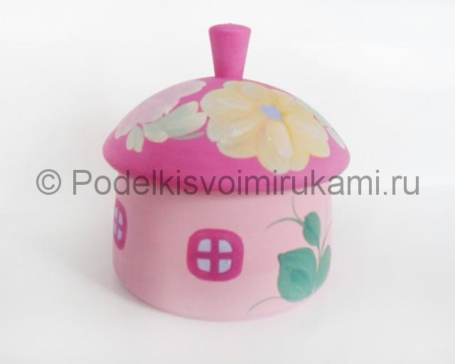 Выполнение росписи шкатулки-домика в розовых тонах - фото 6.