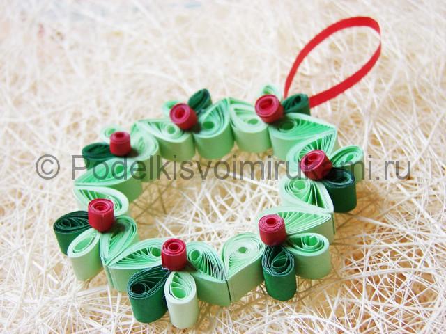 Изготовление рождественского венка из бумаги - фото 32.