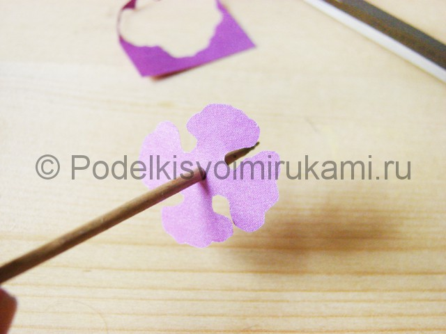 Изготовление фиалки из бумаги - фото 9.
