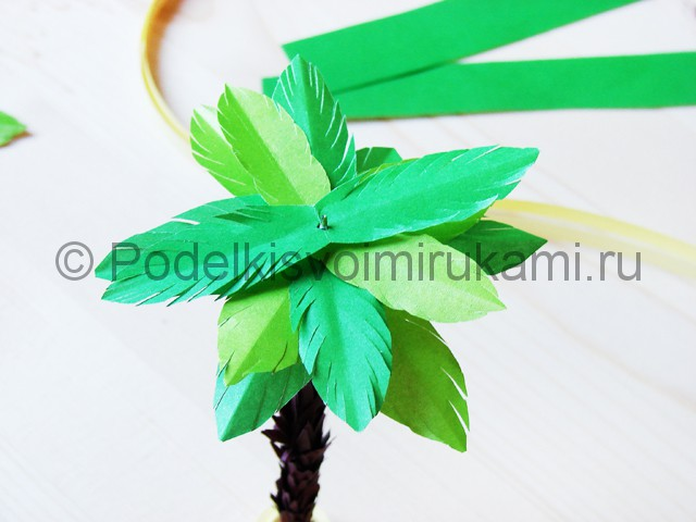 Изготовление пальмы из бумаги - фото 25.