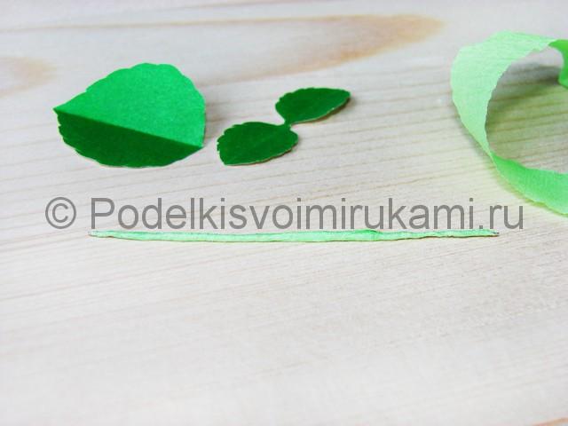 Изготовление розы из гофрированной бумаги - фото 30.