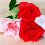 Роза из гофрированной бумаги.