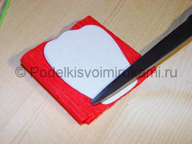 Изготовление розы из гофрированной бумаги - фото 8.