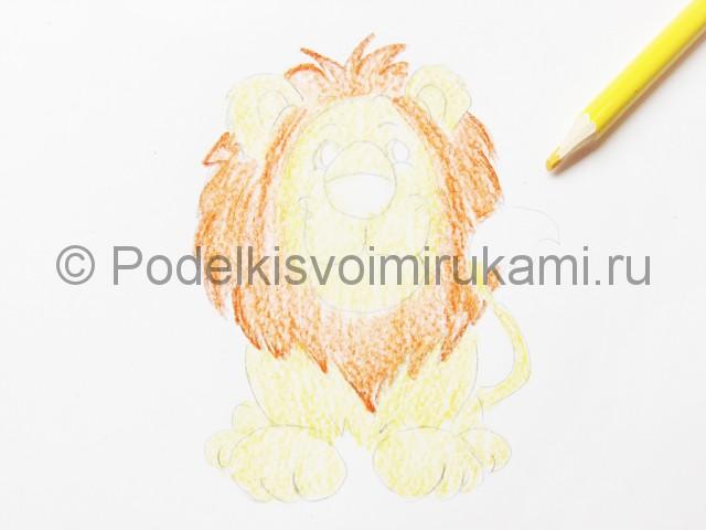 Рисуем льва цветными карандашами - фото 10.